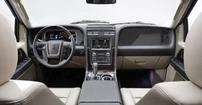 2015 Lincoln Navigator 23
