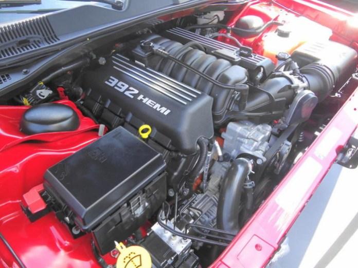 392_Hemi_V8_Engine