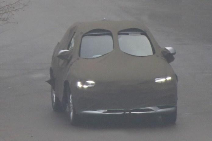 Audi Q3 facelift 2015 spy photos (1)