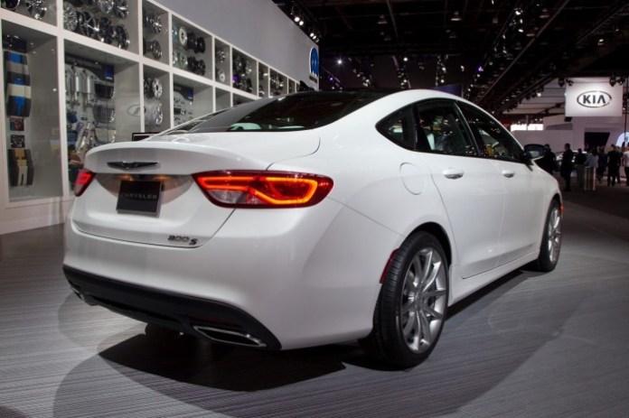 Chrysler 200 mopar (2)