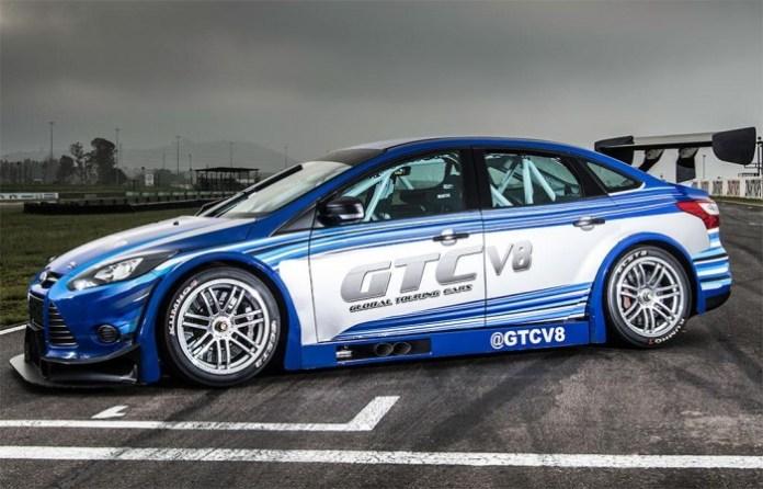 Ford Focus GTC V8 6