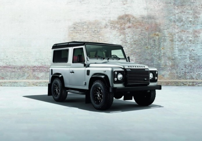 Land Rover Defender XS with Black/Silver pack