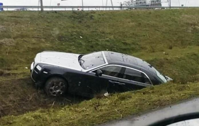 Rolls-Royce Ghost crashed (1)
