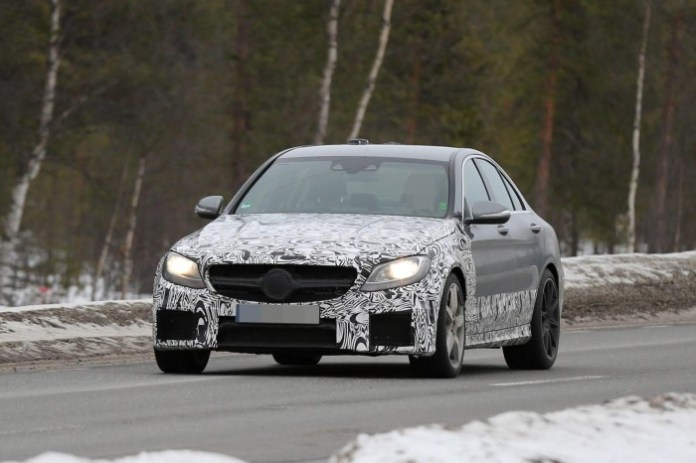 2015 Mercedes-Benz C63 AMG Sedan spy photo (2)