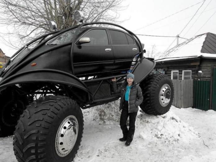 Giant Russian Car (1)