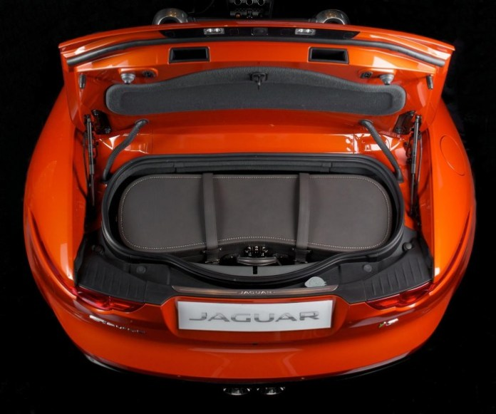 Jaguar & Moynat luggage for F-Type 1