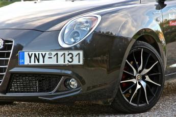 Test_Drive_Alfa_Romeo_Mito_MY2014_17