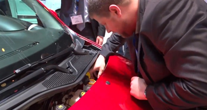 This is how to refill washer fluid in new Renault Twingo 2014