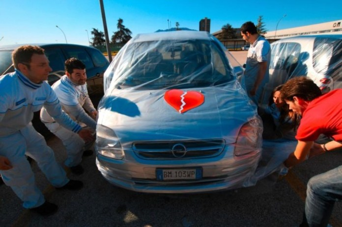Foreign cars being wrapped by Fiat (10)