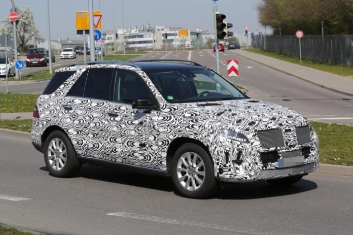 Mercedes-Benz M-Class facelift 2015 spy photos