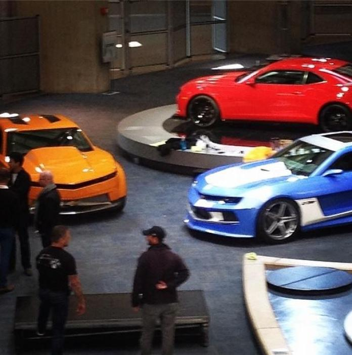 Three unknown Chevrolet Camaros at GM Renaissance Center (1)