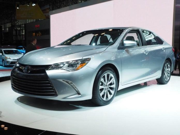 Toyota Camry 2015 (1)