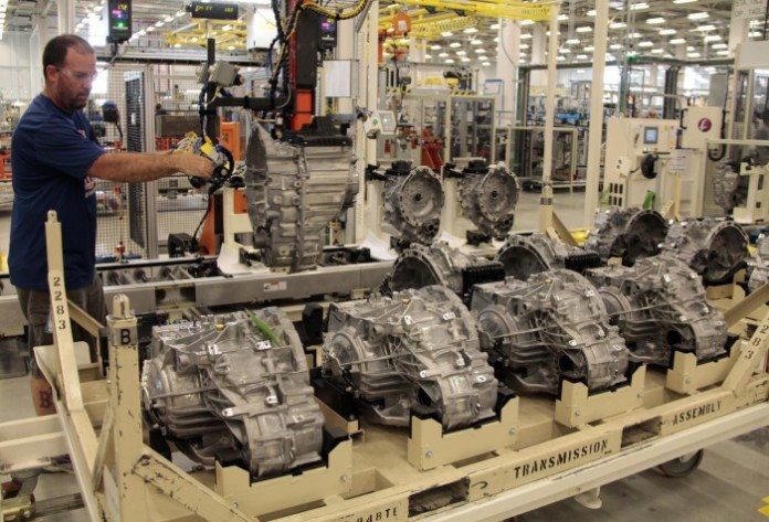 chrysler-starts-producing-9-speed-auto-at-tipton-facility-photo-gallery_4