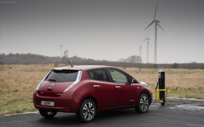 nissan-leaf-2014-widescreen-14