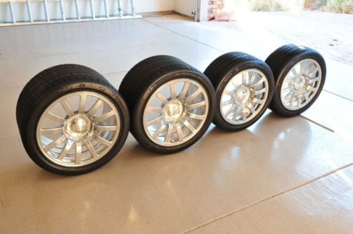Bugatti Veyron Rims and Tires (4)