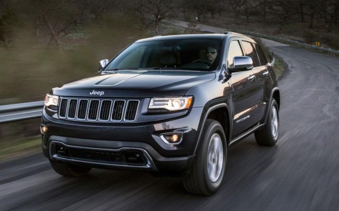 2014-jeep-grand-cherokee-diesel-front-three-quarters-in-motion-view