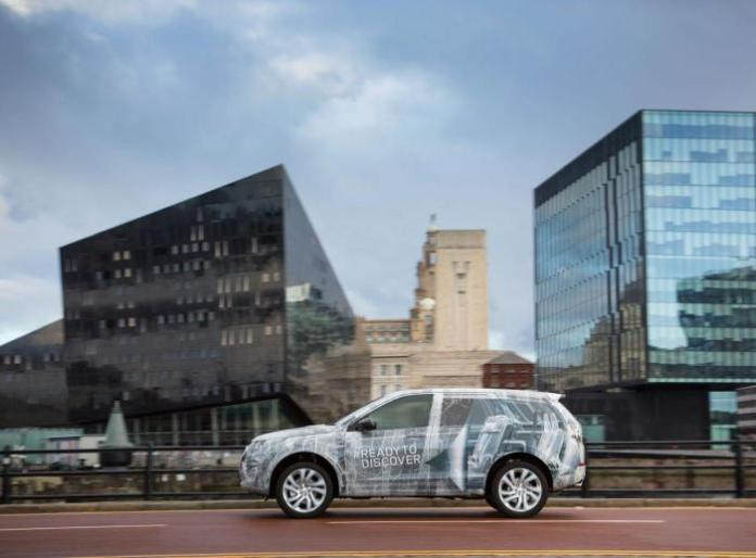 2015 Land Rover Discovery Sport teaser image (4)