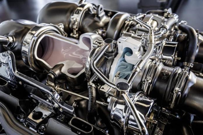 Mercedes-AMG V8 4.0-liter twin-turbo M178 engine 5