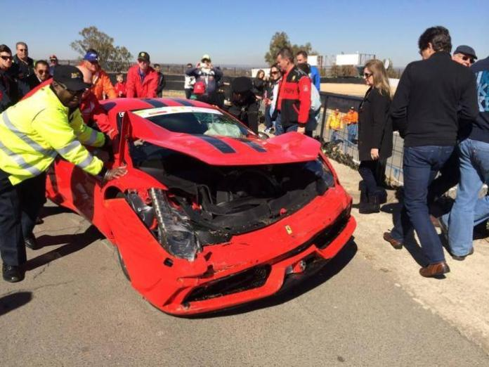 ferrari-458-speciale-crashes-during-track-attack-in-south-africa_1