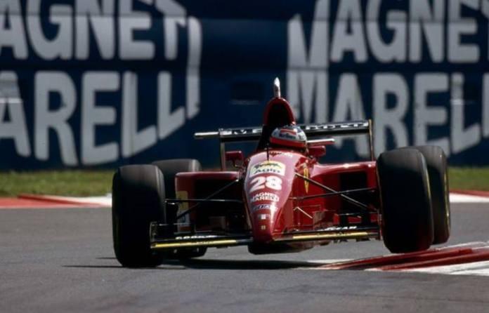 """Η Ferrari 412T2 είναι το τελευταίο μονοθέσιο Formula 1 μέχρι σήμερα, με κινητήρα V12. Ο Schumacher το δοκίμασε, χαρακτηρίζοντάς το """"ικανό να κερδίσει το πρωτάθλημα"""", όμως το 1995 ήρθε μόλις μια νίκη για τη Scuderia, με το Jean Alesi στον Καναδά."""