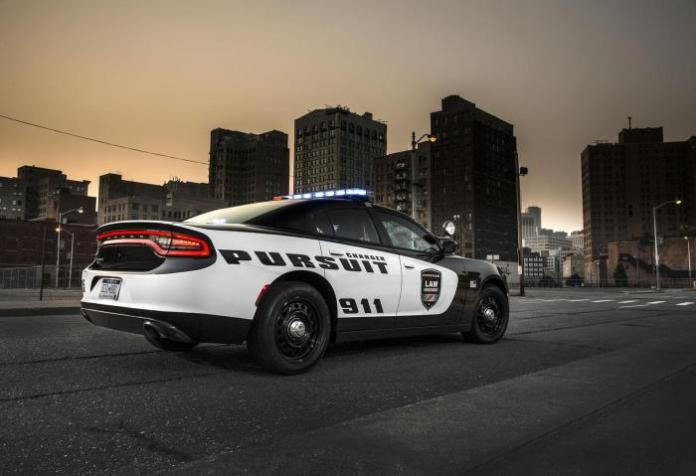 2015 Dodge Charger Pursuit02