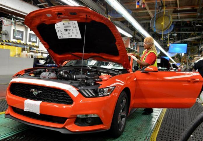 2015 Ford Mustang production (1)