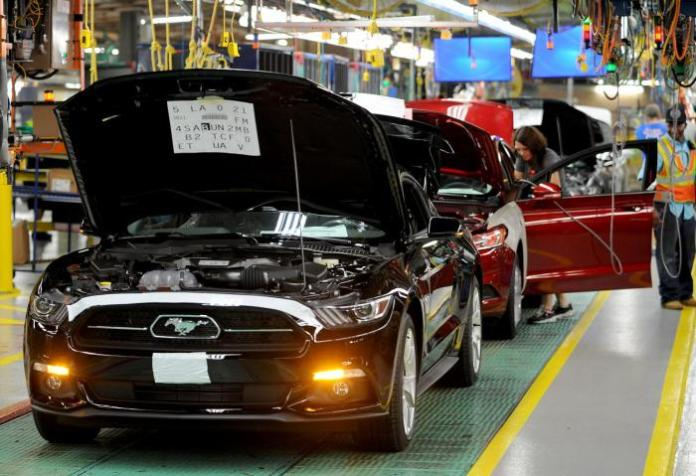 2015 Ford Mustang production (4)