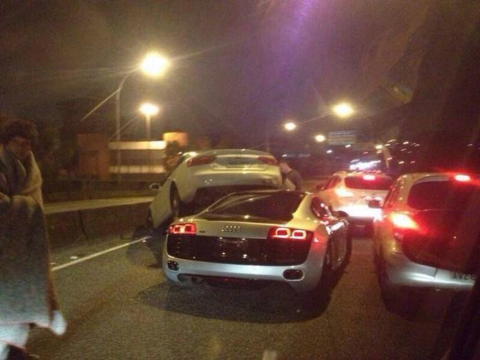 Audi-R8-Crash-4