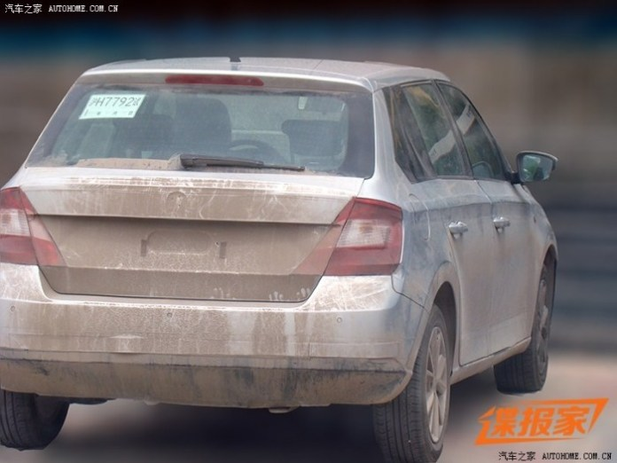 Skoda Fabia 2015 spy photos (2)