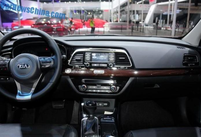 Kia K4 at Chengdu Motor Show (6)