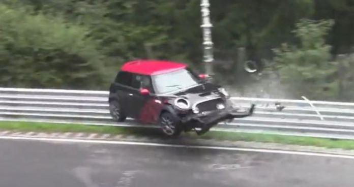 Mini Cooper Crash