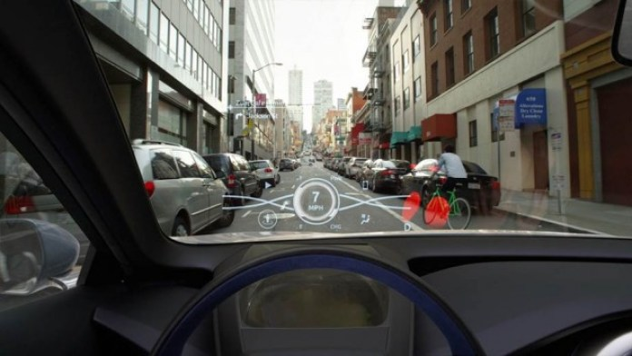 Toyota 3D Head-Up Display (4)