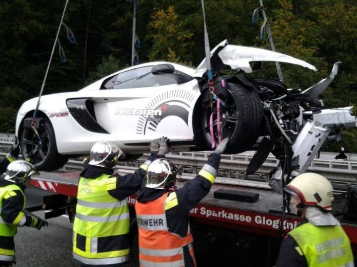 mclaren mp4-12c Spider crash (2)