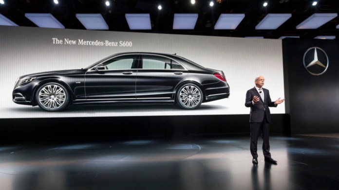 Mercedes-Benz auf der North American International Autoshow 2014 in Detroit Dr. Dieter Zetsche, Vorstandsvorsitzender der Daimler AG und Leiter Mercedes-Benz Cars, präsentiert den S 600 in Detroit. Mercedes-Benz at the North American International Autosho