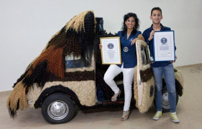 Fiat 500 covered in human hair (1)