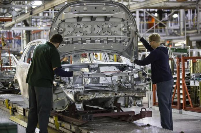 Land_Rover_Discovery_Sport_production_01