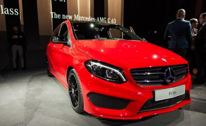 Mercedes B-Class Facelift live in Paris 2014