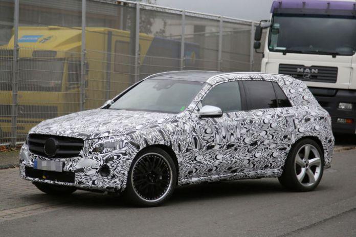 Mercedes-Benz GLC 63 AMG 2016 Spy Photos (5)