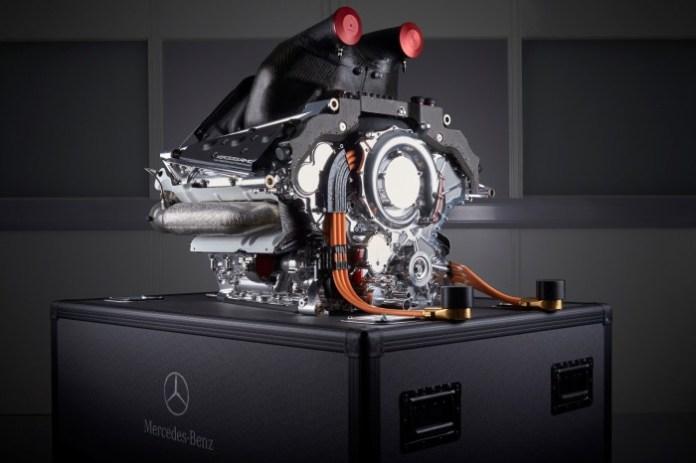 Mercedes-Benz PU106A Hybrid