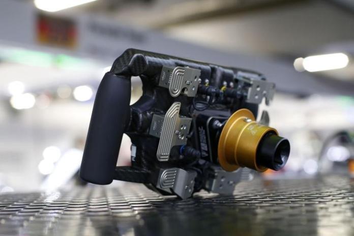 Porsche 919 Hybrid steering wheel 4
