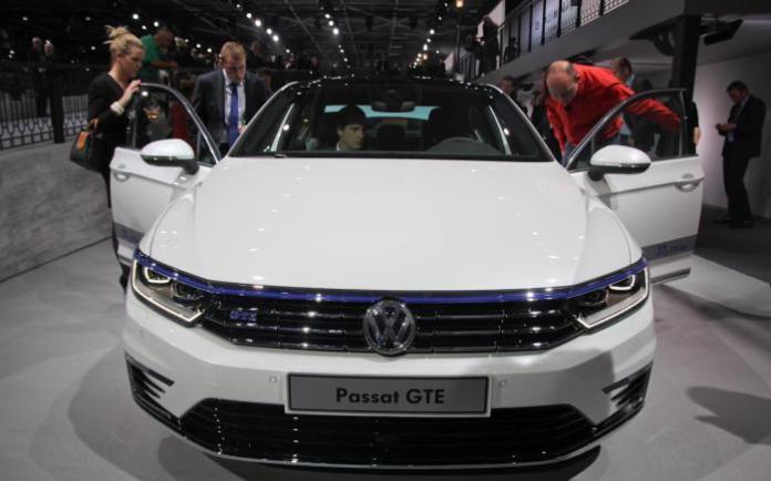 Volkswagen Passat GTE Live in Paris 2014