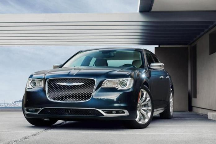 2015-Chrysler-300-4