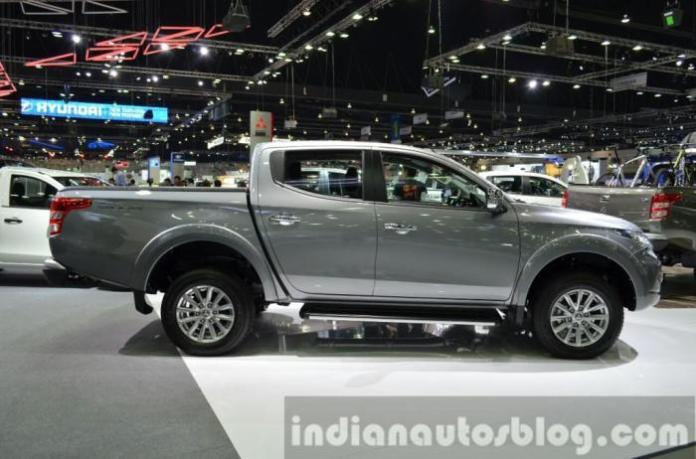 Mitsubishi Triton live at Thailand International Motor Expo 2014 (1)