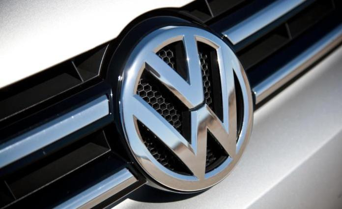 2013-volkswagen-touareg-tdi-grille-and-badge-photo-520198-s-1280x782