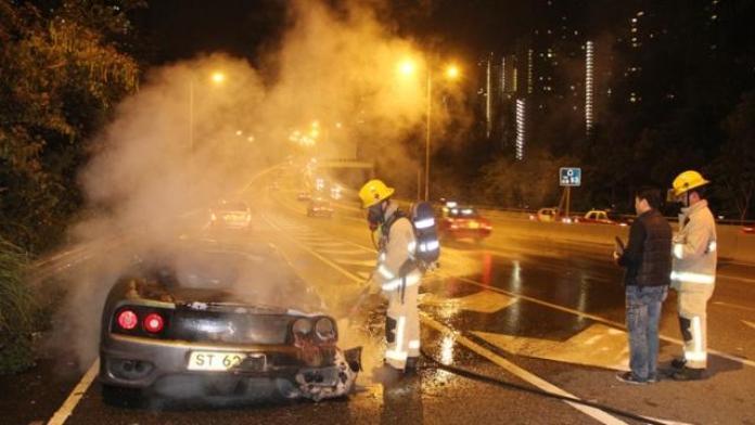 Ferrari 360 fire in Hong Kong (2)
