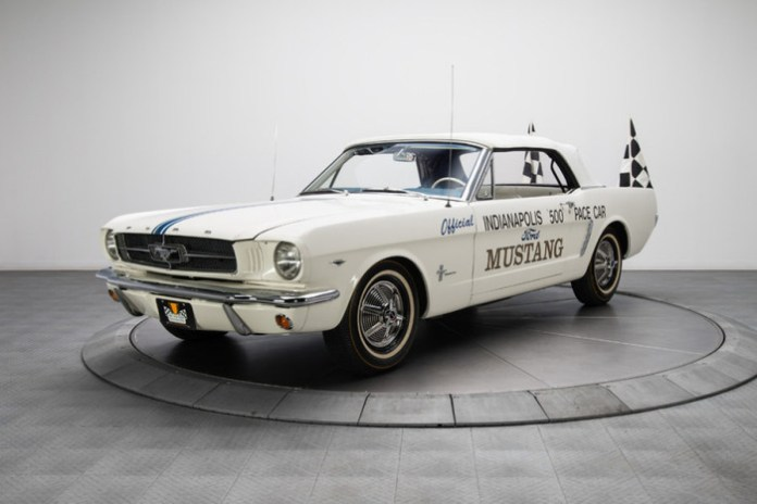 Ford Mustang Convertible Pace Car 1964 (1)
