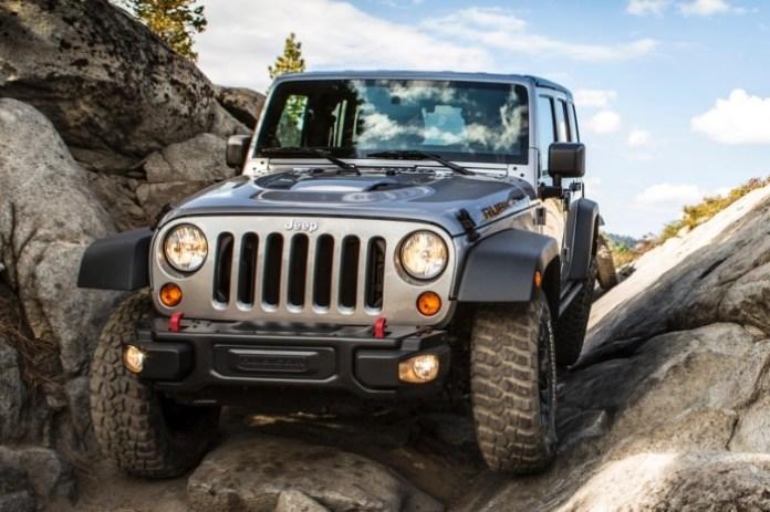 2013_jeep_wrangler_convertible-suv_unlimited-rubicon_f_oem_1_815
