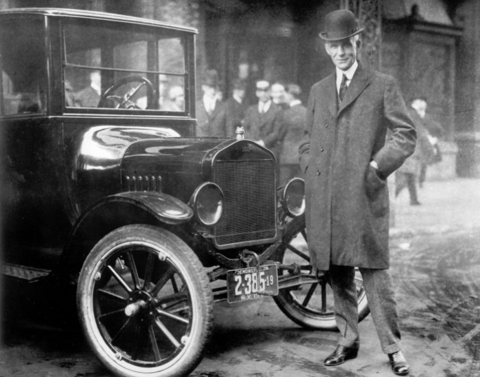 Henry-Ford-next-to-Model-T-1921-From-the-Collections-of-The-Henry-Ford