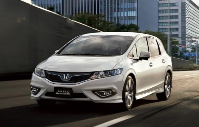 Honda Jade Hybrid 2015 (10)