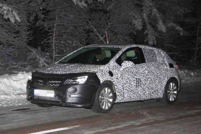Opel Astra 2016 spy photos (1)